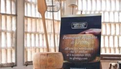 Il Parmigiano Reggiano mette all'asta una forma di 21 anni per un fine sociale al World Cheese Awards